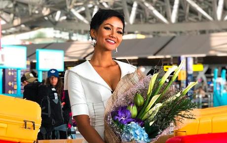 Gia đình và đông đảo fan đón H'Hen Niê trở về Việt Nam sau thành tích lịch sử Top 5 Miss Universe 2018