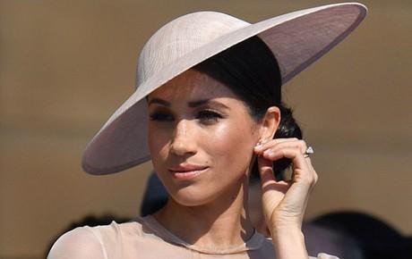 Công nương Meghan lần đầu xuất hiện tại sự kiện Hoàng gia với phong cách hoàn toàn đi vào khuôn khổ