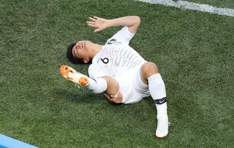 TRỰC TIẾP (H1) Thụy Điển 0-0 Hàn Quốc: Cầu thủ Hàn chấn thương nặng, rời sân