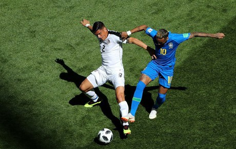 TRỰC TIẾP (H2) Brazil 0-0 Costa Rica: Neymar sút xa đẹp mắt đưa bóng đi chệch cột