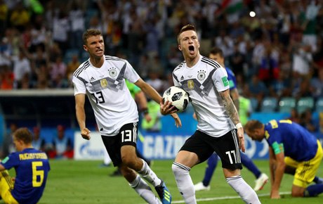Đương kim vô địch Đức chết đi sống lại ở phút 90+5, giành chiến thắng bóp nghẹt trái tim người hâm mộ