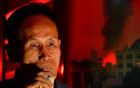 """Ông chủ khu trọ nghĩa tình 15k/đêm cho người nghèo Hà Nội: """"Cháy trụi cả rồi, giờ mọi người biết lấy chỗ đâu mà ở nữa..."""""""