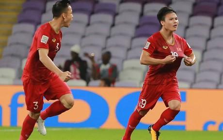 [Trực tiếp Asian Cup 2019] Việt Nam 0-0 Nhật Bản: Quang Hải và các đồng đội chơi ngang ngửa với Nhật Bản
