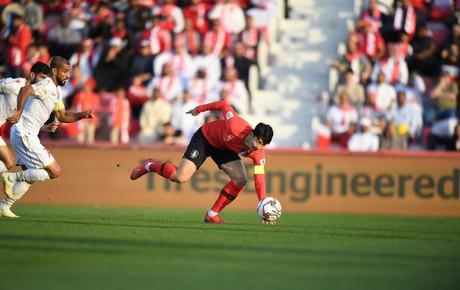 [Trực tiếp Asian Cup 2019] Hàn Quốc 0-0 Bahrain: Son Heung-min bị đối thủ cao chân đá thẳng vào mặt