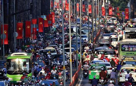 """Nỗi ám ảnh của người Sài Gòn những ngày cận Tết: """"Rừng"""" xe đông nghẹt trên nhiều tuyến đường trung tâm từ trưa đến tối"""