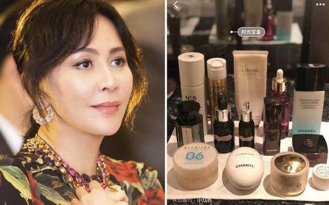 """Đã U55 mà Lưu Gia Linh vẫn sở hữu làn da đẹp khó tin nhờ chu trình dưỡng da """"tối giản gần 60 triệu đồng"""