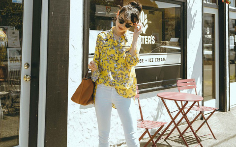 Có một kiểu quần mà các nàng cứ diện lên sẽ trẻ trung và nữ tính hơn bội phần, đó chính là quần jeans trắng