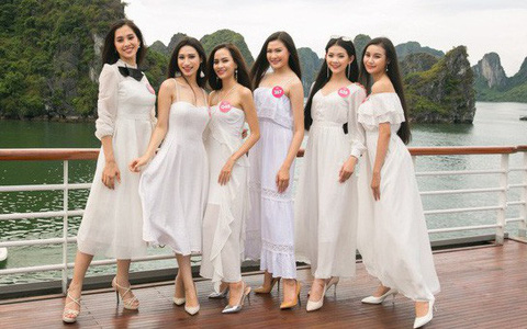 Giản dị như nàng Tân Hoa hậu, một đôi sandals cao gót mà mix được cả chục bộ đồ