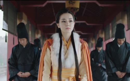 """""""Lệ Cơ Truyện"""": Địch Lệ Nhiệt Ba chấp nhận tiến cung, Tần Vương mãn nguyện!"""