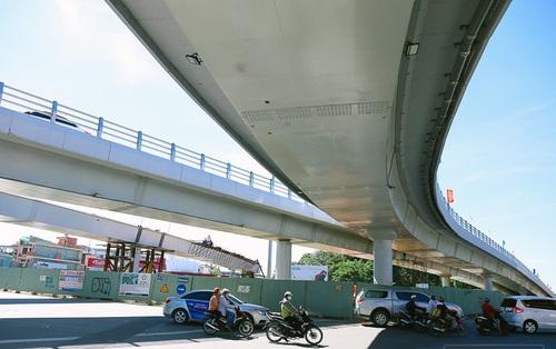 """Cầu vượt thép hơn 500 tỉ đồng chính thức thông xe, cửa ngõ sân bay Tân Sơn Nhất được """"giải cứu"""""""