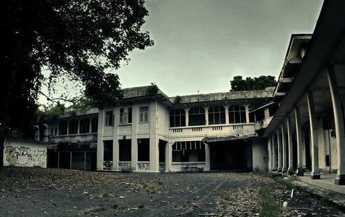 Bệnh viện bỏ hoang tại Singapore: Tồn tại vững vàng qua Thế chiến II, quá khứ đẫm máu gắn liền với những lời đồn rùng rợn