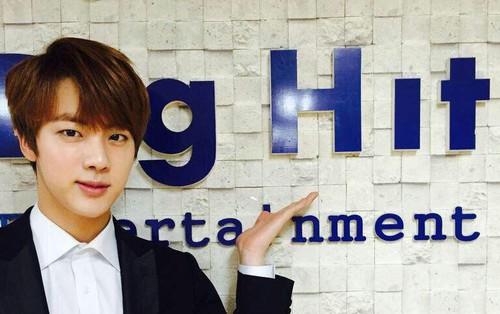 Một tay gồng gánh Big Hit, BTS vẫn đủ sức đưa công ty vượt mặt YG về khoản này