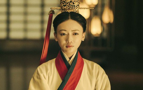 """Ngô Cẩn Ngôn hóa thành mẹ của Tần Thủy Hoàng trong """"Hạo Lan Truyện"""""""