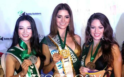 Đại diện Việt Nam tiếp tục đạt huy chương trong phần thi trình diễn trang phục áo tắm tại Miss Earth 2018
