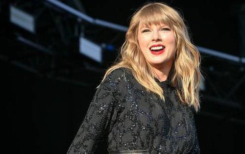 """Chuẩn bị hết hạn hợp đồng, Taylor Swift đã được """"ông lớn"""" trong ngành thu âm tại Mỹ ra giá 300 triệu USD"""