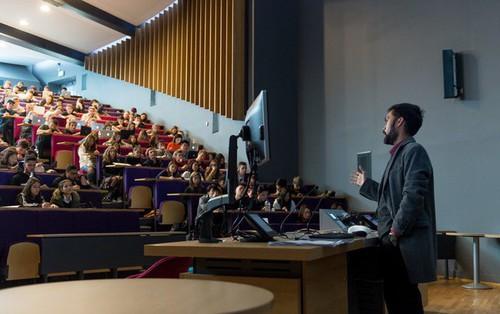 Trường Đại học hàng đầu thế giới như Cambridge liệu có hoàn hảo như bạn vẫn từng nghĩ?