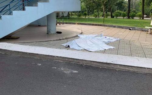 Nam thanh niên nghi nhảy lầu tự tử tại Đại học Quốc Gia TP.HCM đúng ngày sinh nhật