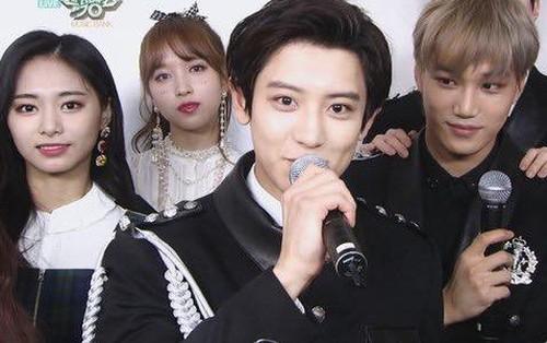 """Khoảnh khắc khiến dân mạng """"đổ rạp"""": EXO và TWICE đứng cạnh nhau chính là cực phẩm!"""