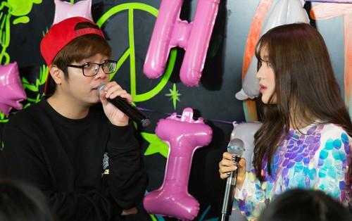 Han Sara hướng dẫn Bùi Anh Tuấn cover hit của TaeYang (BigBang) cực đáng yêu