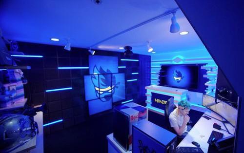 """Bên trong studio """"khủng"""" của hot streamer hàng đầu thế giới: Thiên đường công nghệ đội lốt tầng hầm"""