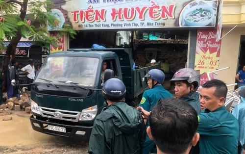 Sập quán phở ở TP.Nha Trang, ít nhất 2 người tử vong, 1 người bị thương