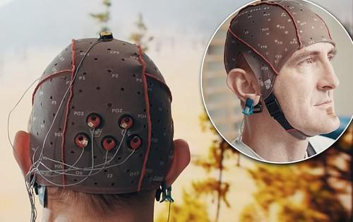 Vì một tương lai không cần remote, Samsung đang phát triển TV điều khiển bằng sóng não của bạn