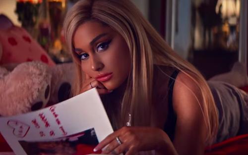 Ariana Grande vào vai