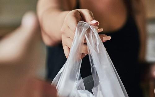 Trong vòng 3 tháng nước Úc đã cắt giảm được đến 80% túi nhựa và đây là cách họ làm được điều đó