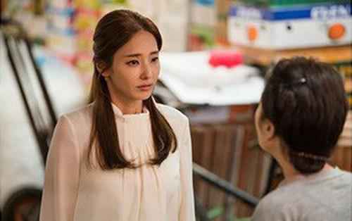 """Lời Hứa Với Các Vị Thần: Để cứu con, """"búp bê xứ Hàn"""" Han Chae Young sẵn sàng sinh thêm con với chồng cũ"""