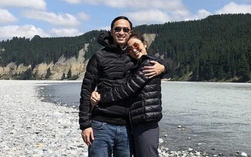 Tăng Thanh Hà diện áo đôi với Louis Nguyễn, hạnh phúc đi du lịch ngày đầu năm mặc tin đồn bầu bí