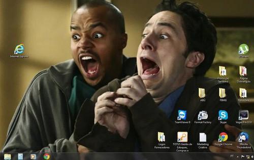 """Vui: Tổng hợp loạt hình nền máy tính hài hước nhất, Internet Explorer chuyên bị """"bắt nạt"""""""