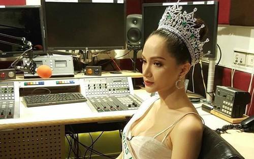 Hương Giang lại ghi điểm với câu trả lời về thông tin đối thủ Mexico không phục kết quả Hoa hậu