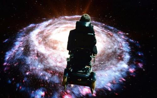 2 tuần trước khi mất, Stephen Hawking đã hoàn thành nghiên cứu khiến mọi cái đầu