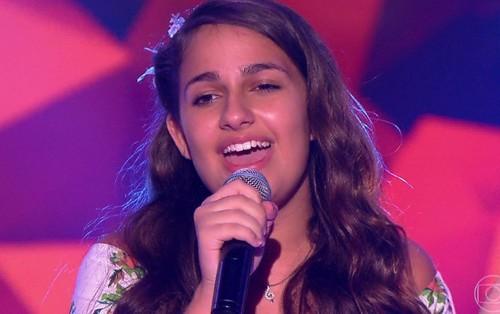 Cô bé 13 tuổi gây sốt khi cover ''Havana'' tại The Voice Kids Brazil