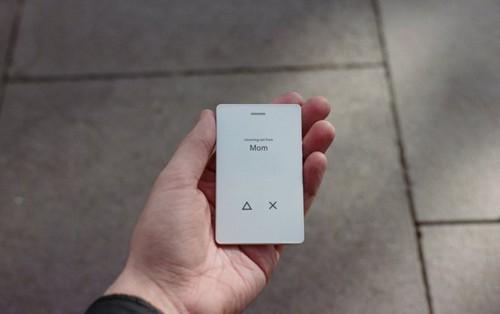 Chiếc điện thoại đi ngược lại định nghĩa smartphone: đẹp đẽ nuột nà nhưng chỉ có đúng 4 tính năng