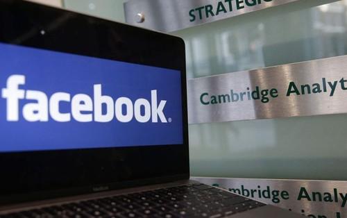 """Facebook sẽ """"đánh bài ngửa"""" với người dùng: Hoặc bị theo dõi, hoặc đừng dùng Facebook"""