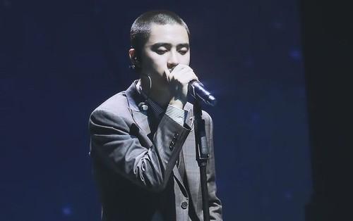 Chỉ cần đứng hát, D.O. (EXO) cũng đã có thể tạo nên cực phẩm không-thể-nào-quên