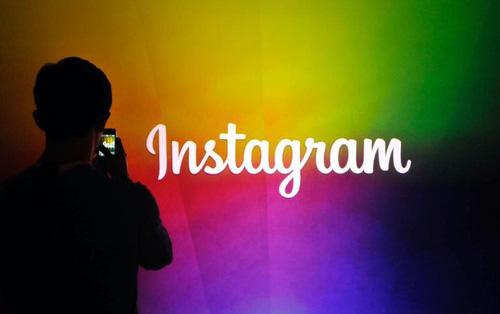 Instagram lại lộ tẩy thêm tính năng bị giấu: Hashtag cầu vồng đổi màu từng chữ, cải tiến Direct Message...