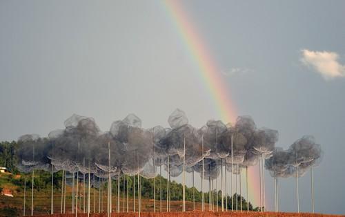"""Chùm ảnh: """"Mây pha lê"""" tại La Pán Tẩn được bao trùm bởi cầu vồng trước ngày khai mạc"""