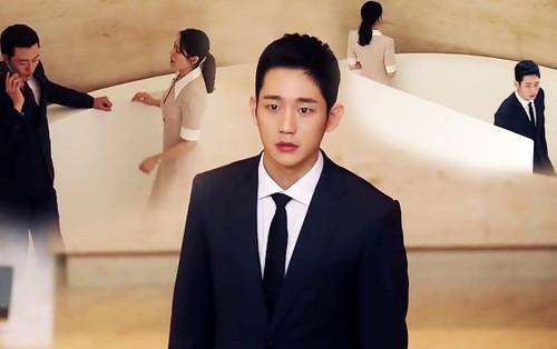"""""""Chị Đẹp"""": Nhìn Son Ye Jin bên bạn trai mới, Jung Hae In lướt qua như người xa lạ"""
