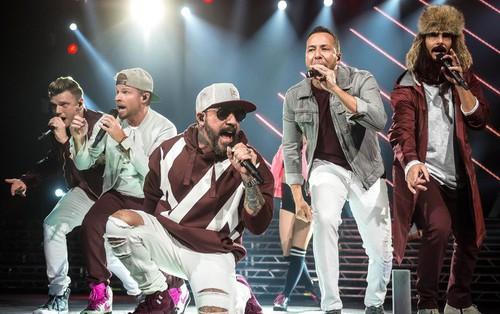 """Vừa tung MV trở lại, các """"chú"""" Backstreet Boys đã úp mở về tận 2 album mới trong năm 2018"""