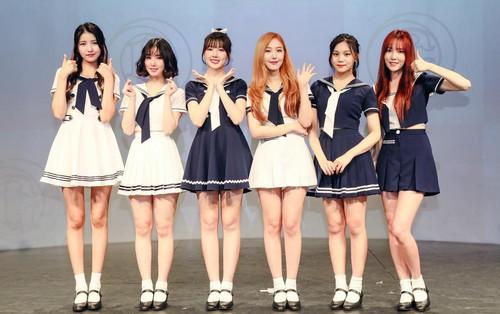 """G-Friend chính thức tung MV Jpop đầu tay: Muốn một lần nữa chinh phục fan Nhật với bản hit """"té ngã"""""""