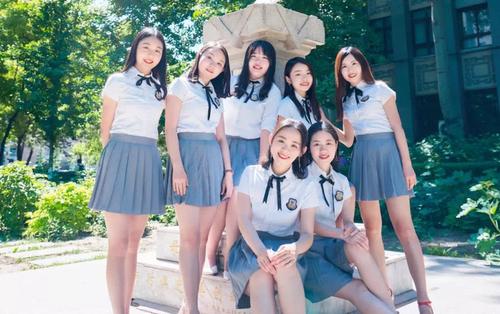 7 cô gái sống chung 1 phòng ký túc xá nổi rần rần trên mạng vì xinh đẹp, học giỏi, nhận rất nhiều học bổng