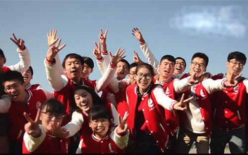 Lớp học nhà người ta: quy tụ 40 học sinh giỏi nhất các trường, nhận quỹ học bổng du học lên đến 35 tỷ đồng!