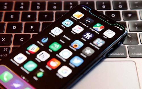 Phần viền của chiếc iPhone 2018 sẽ trông xấu đi một chút, nhưng vì giá rẻ hơn nên chúng ta đành phải chịu thôi!