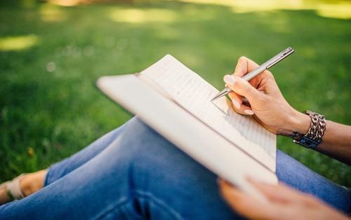 """Dành cho hội chuyên """"săn"""" học bổng du học: 4 luật bất thành văn khi viết CV học thuật ai cũng phải nắm vững"""