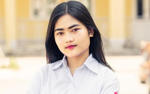 Nữ sinh Chuyên Hà Tĩnh được tuyển thẳng vào 7 trường đại học hàng đầu Việt Nam