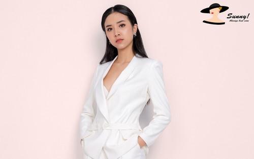 Á hậu Việt Nam 2018 Thúy An đẹp rạng rỡ trong thiết kế công sở của Sunny Fashion
