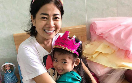 Để Mai Phương yên tâm trị bệnh, các mạnh thường quân giúp đỡ riêng hơn 500 triệu đồng để mở sổ tiết kiệm cho con gái cô