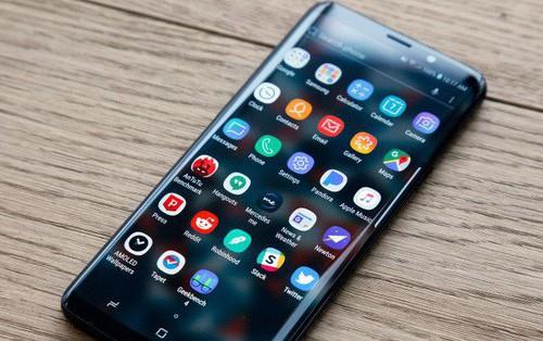Galaxy S10 lộ mã hiệu: Có 3 phiên bản gồm 2 mẫu màn hình cong tràn và 1 mẫu màn hình phẳng